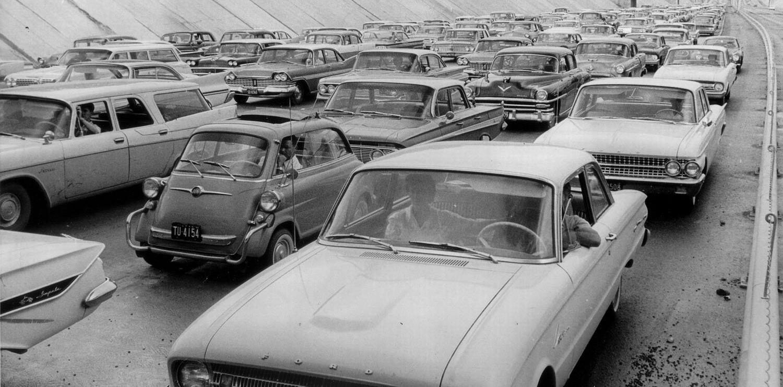 us59_trench_traffic_jam_1962